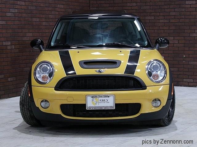 Mini Cooper Hardtop 2009 price $8,490