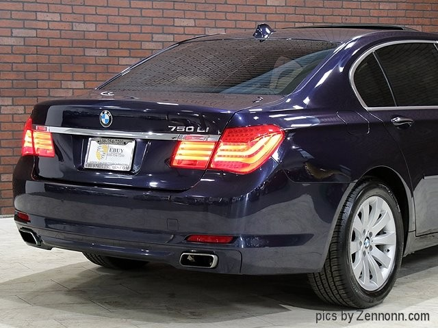 BMW 7-Series 2011 price $15,990