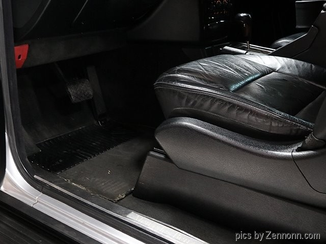 Mercedes-Benz G-Class 2002 price $27,990
