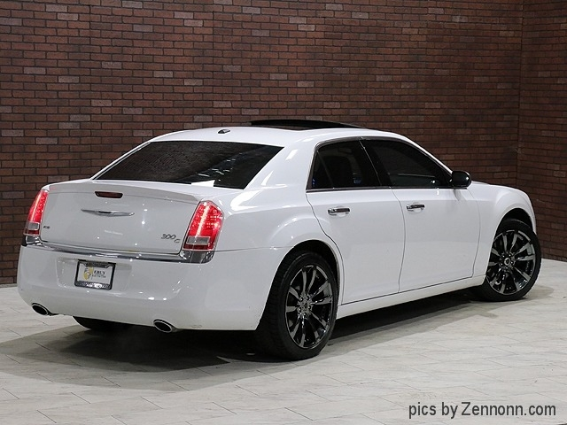Chrysler 300 2011 price $13,990