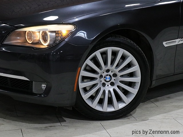 BMW 7-Series 2012 price $18,990