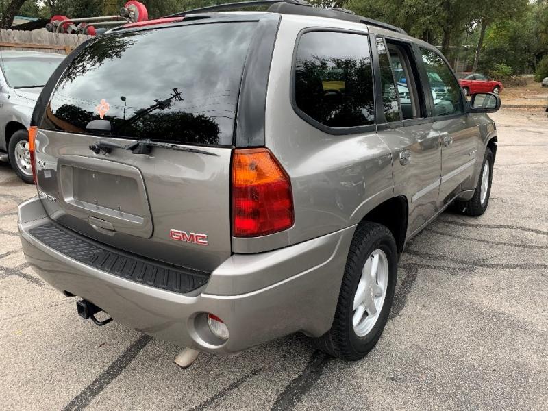 GMC Envoy 2006 price $4,250