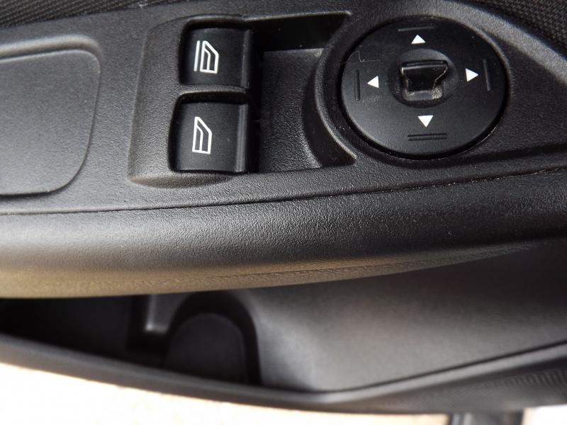 Ford Focus 2018 price $7,995