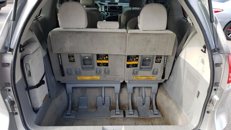 Toyota Sienna 2013 price $13,900