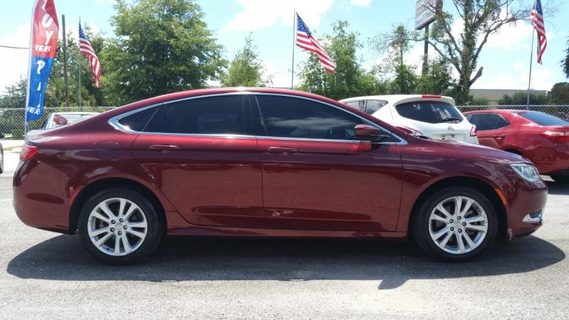 Chrysler 200-Series 2015 price $7,500