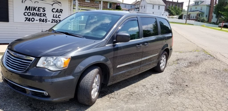 CHRYSLER TOWN & COUNTRY 2012 price $7,600