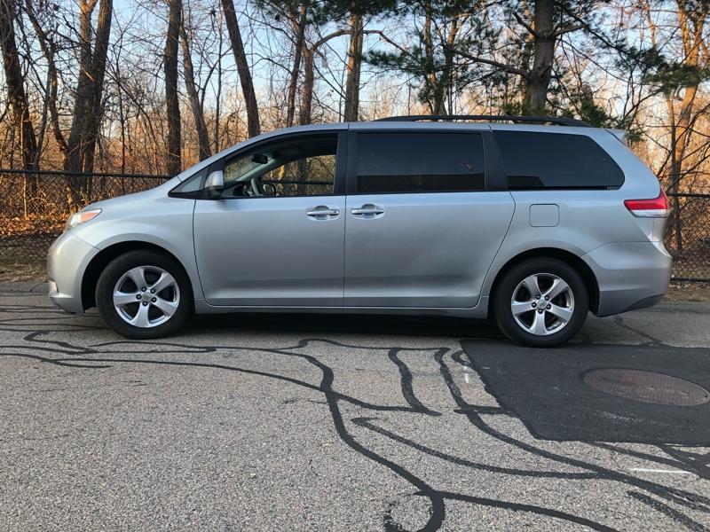 Toyota Sienna 2011 price $12,495