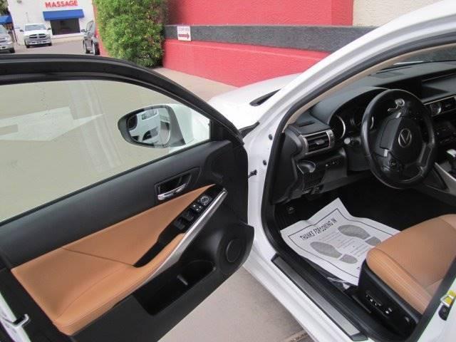 Lexus IS 250 2014 price $18,995