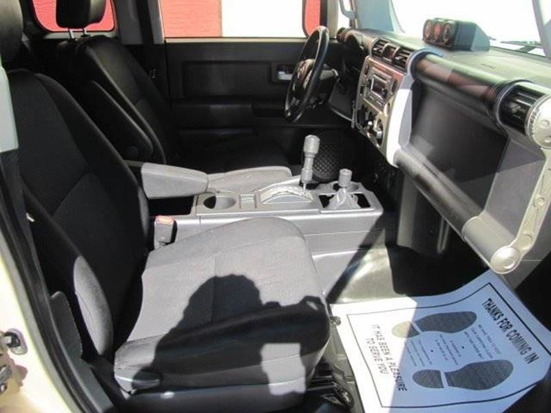 Toyota FJ Cruiser 2013 price $26,995