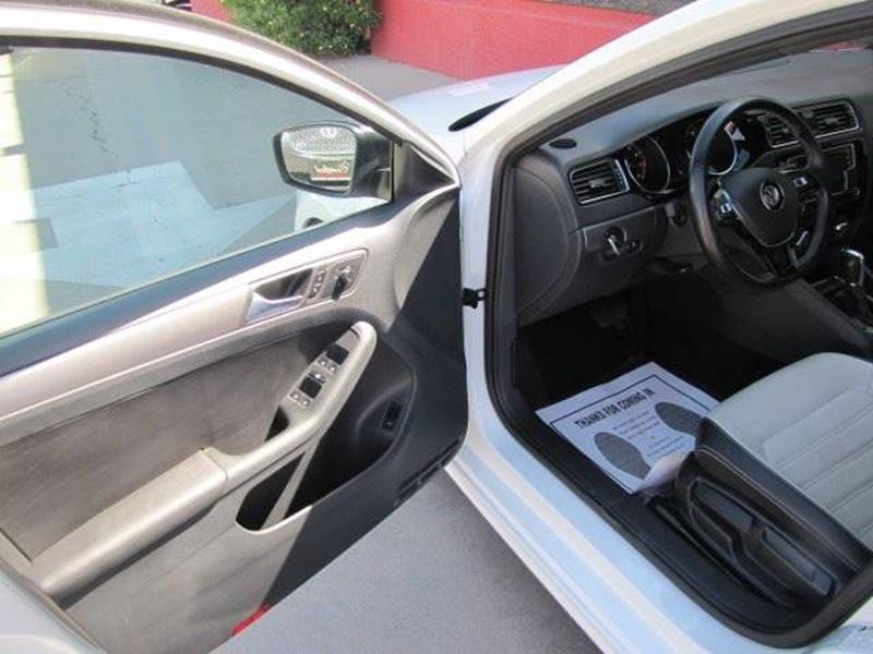Volkswagen Jetta 2016 price $13,500