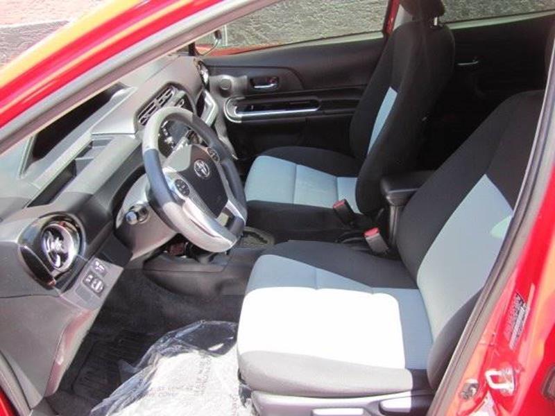 Toyota Prius c 2016 price $14,500