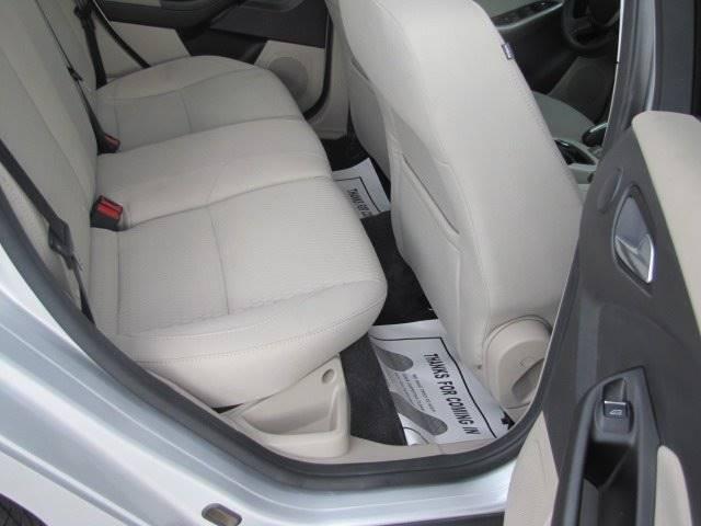 Ford Focus 2012 price $8,995