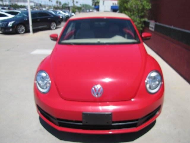 Volkswagen Beetle 2015 price $15,995