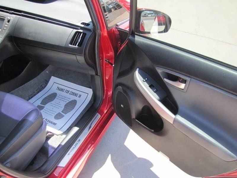 Toyota Prius 2014 price $13,795