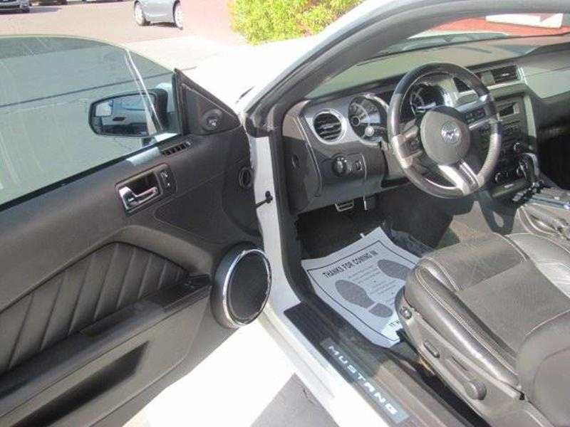 Ford Mustang 2013 price $13,995