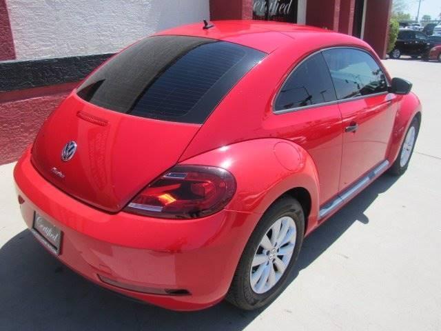 Volkswagen Beetle 2017 price $11,995
