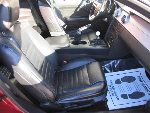 Ford Mustang 2006 price $9,500