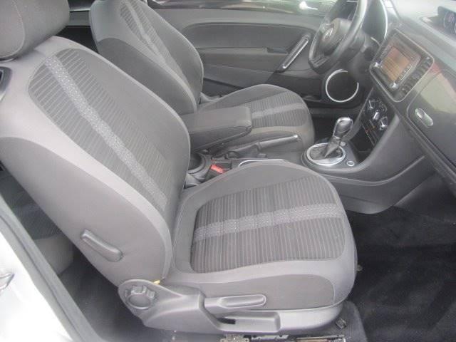 Volkswagen Beetle 2012 price $9,800