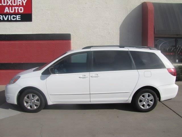 Toyota Sienna 2005 price $4,900