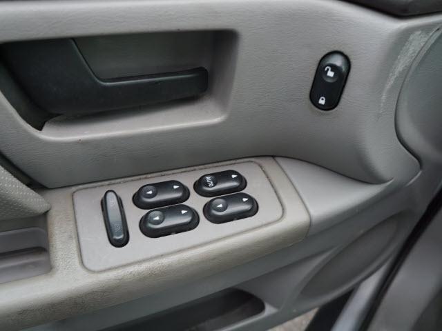 Ford Taurus 2004 price $7,195