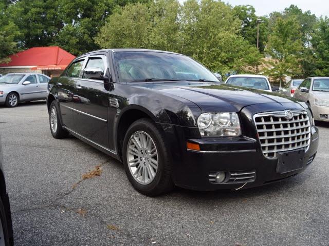 Chrysler 300 2010 price $9,895