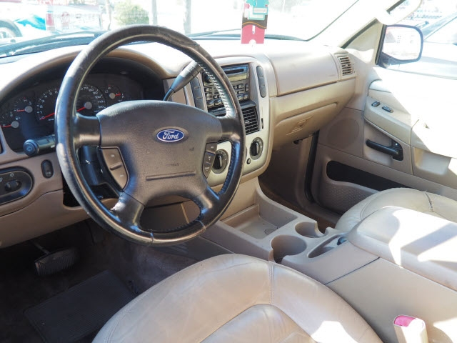 Ford Explorer 2003 price $7,295