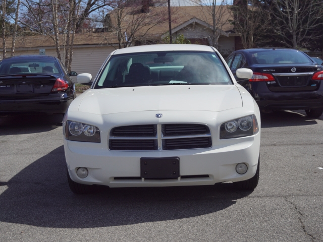 Dodge Charger 2010 price $10,395