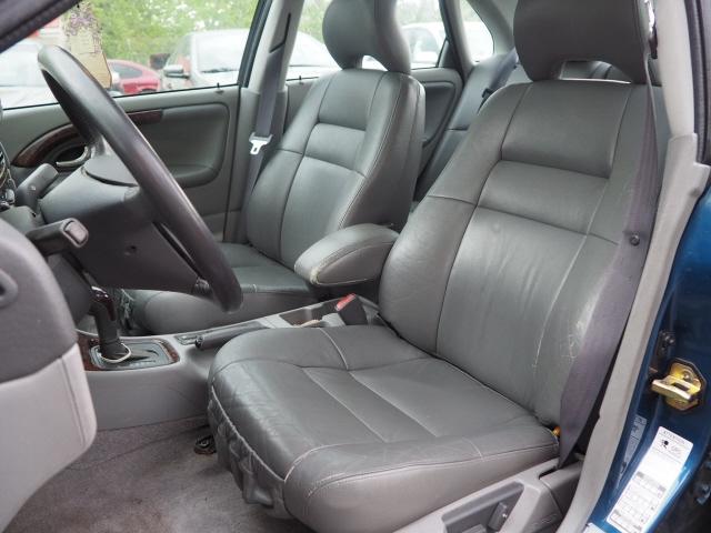 Volvo S40 2000 price $4,995