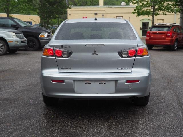 Mitsubishi Lancer 2011 price $8,295
