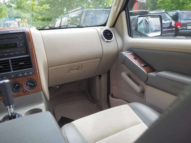Ford Explorer 2006 price $8,995