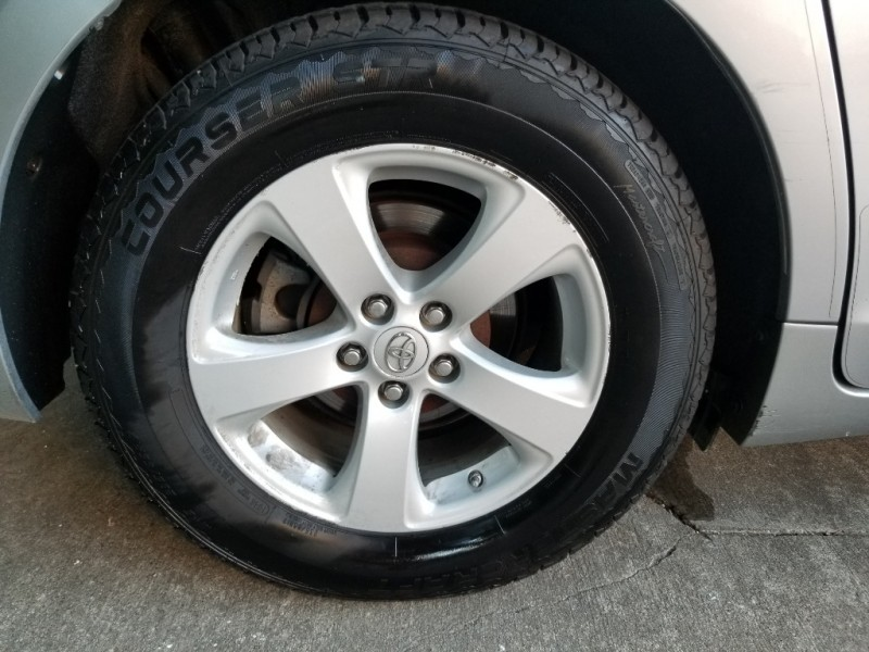 Toyota Sienna 2011 price $12,995 Cash