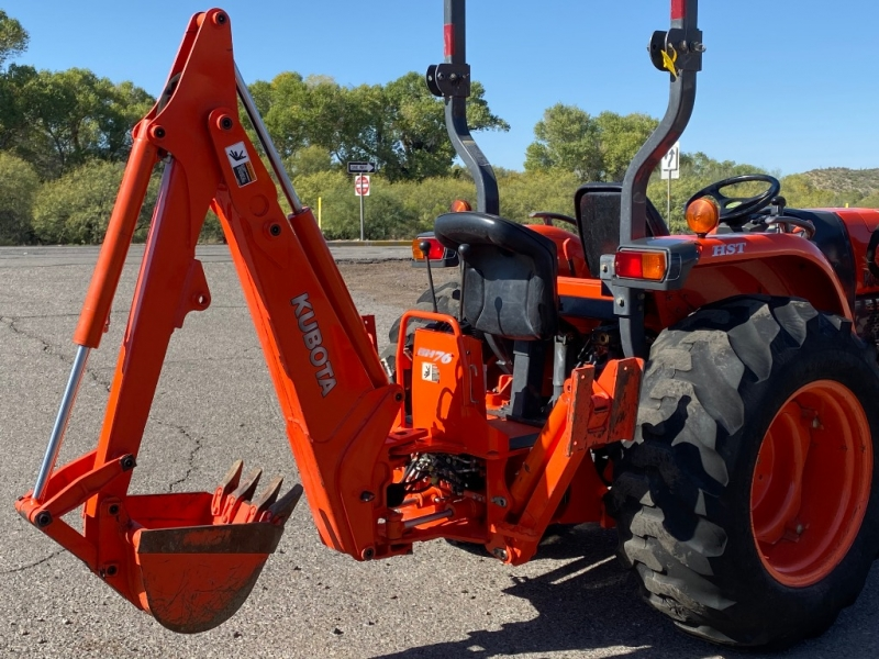 KUBOTA L3240 GRAND L SERIES w/BACKHOE 0000 price $24,600