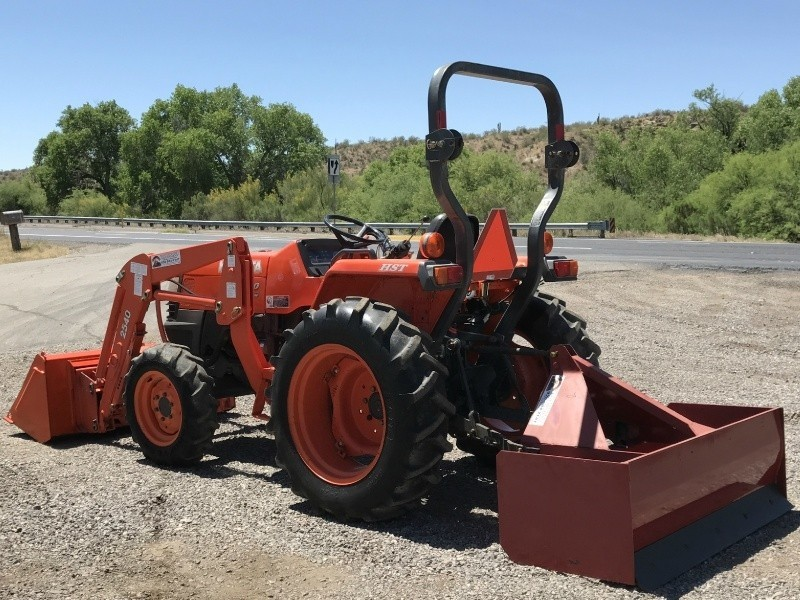 Kubota Box Blade : Kubota l tractor with box scraper southwest