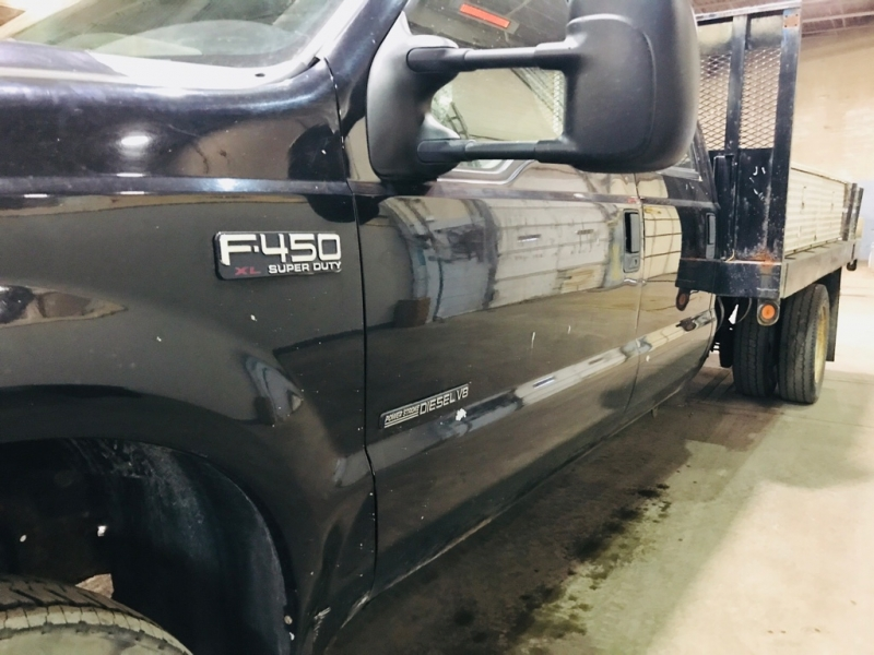 Ford F450 2002 price $9,999