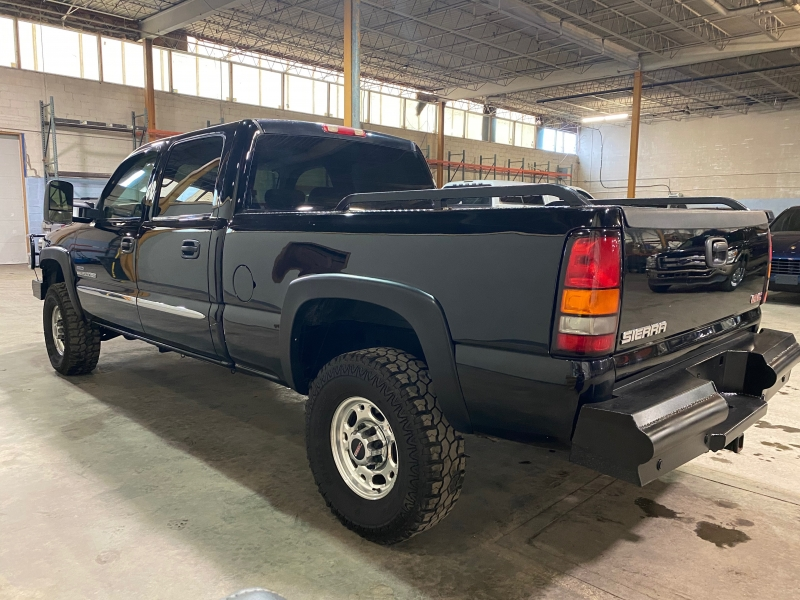 GMC 2500HD 2006 price $13,000