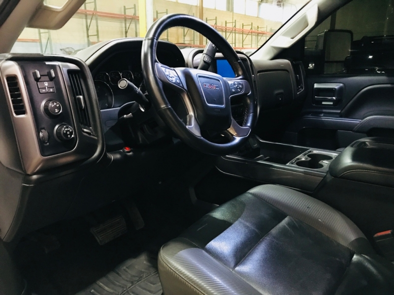GMC Sierra 2500HD 2015 price $31,999
