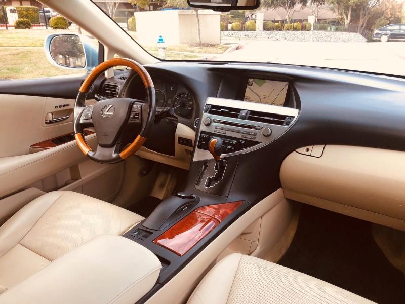 Lexus RX 450h 2010 price $10,900