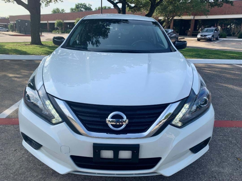 Nissan Altima 2017 price $9,700