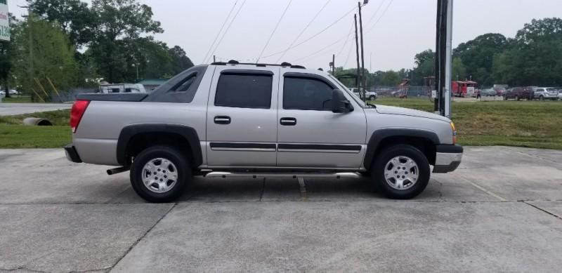Chevrolet Avalanche 2004 price $6,980