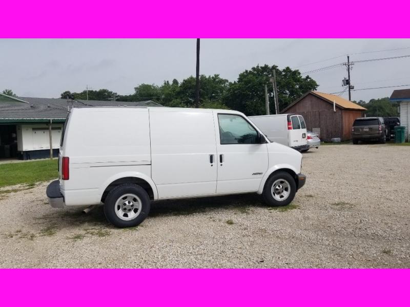 Chevrolet Astro 2002 price $2,980