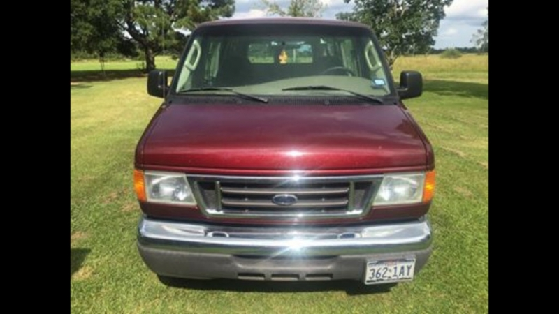 Ford Econoline Wagon 2004 price $6,480