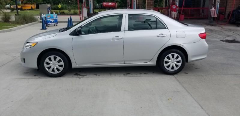 Toyota Corolla 2009 price $7,980