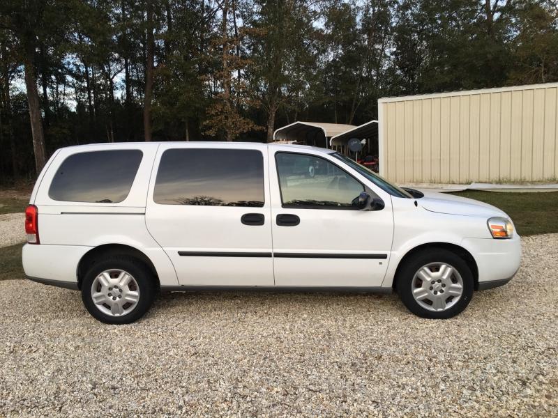 Chevrolet Uplander 2008 price $2,680