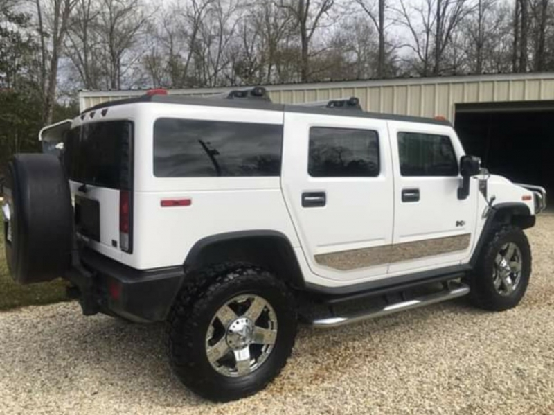 Hummer H2 2006 price $15,900