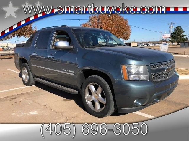 Chevrolet Avalanche 2010 price $17,995