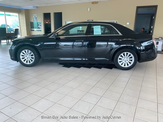 Chrysler 300 2013 price $9,995