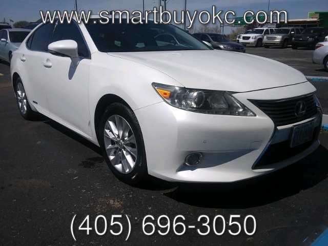 Lexus ES 300h 2013 price $15,995