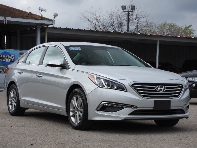 2015 hyundai sonata 2 4l se inventory best car for less auto dealership in houston texas. Black Bedroom Furniture Sets. Home Design Ideas