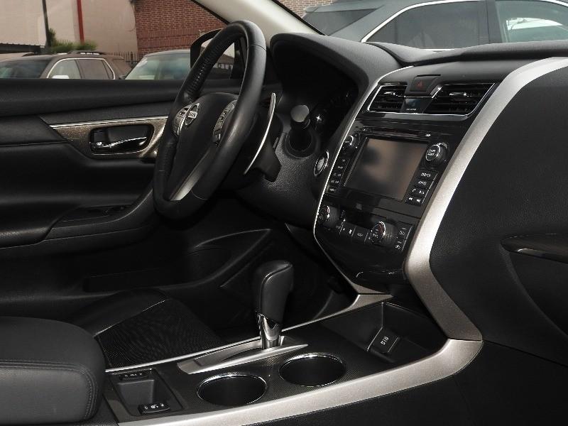 Nissan Altima 2015 price $13,588