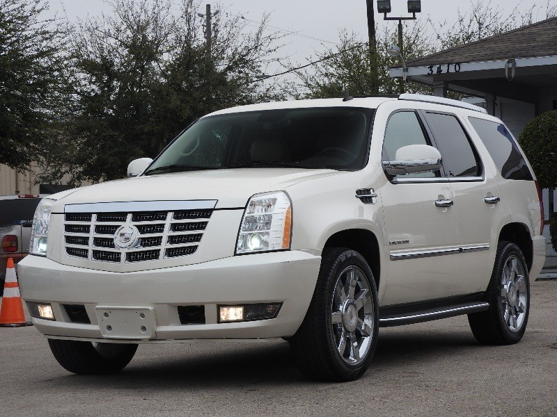 Cadillac Escalade 2010 price $16,886